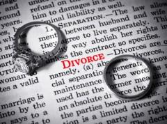 Wie finden Sie den richtigen Online Scheidungs Anwalt - iStock_000013857457XSmall