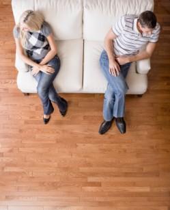 Scheidung uns Anwalt. Wie finde ich den passenden Scheidungsanwalt - iStock_000012189379XSmall