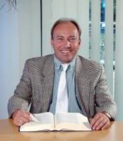 Anwalt  Kurt Lücker